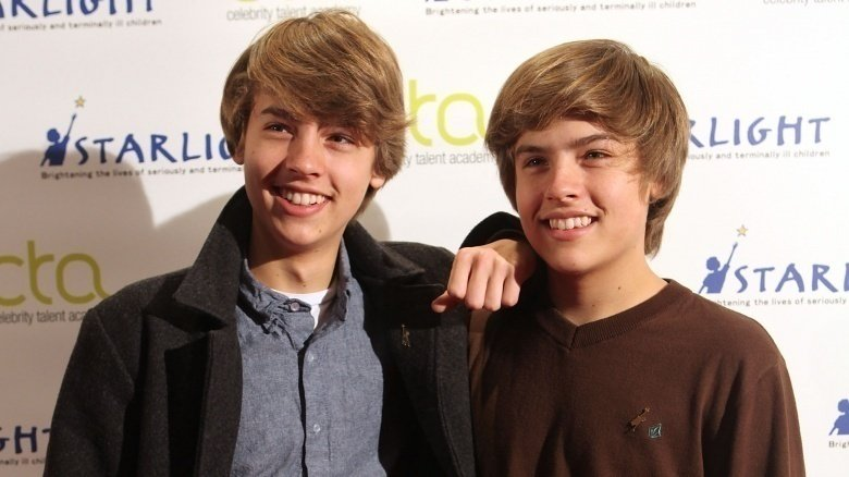 dylan and cole sprouse shirt off