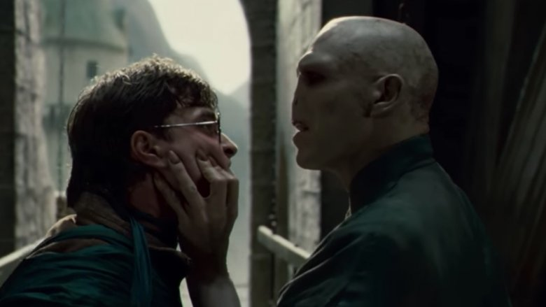 The actor who plays Voldemort is gorgeous in real life - photo#17